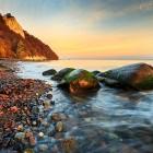 Kreideküste kurz vor Sonnenaufgang