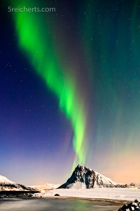 Nordlicht mit Mondlicht