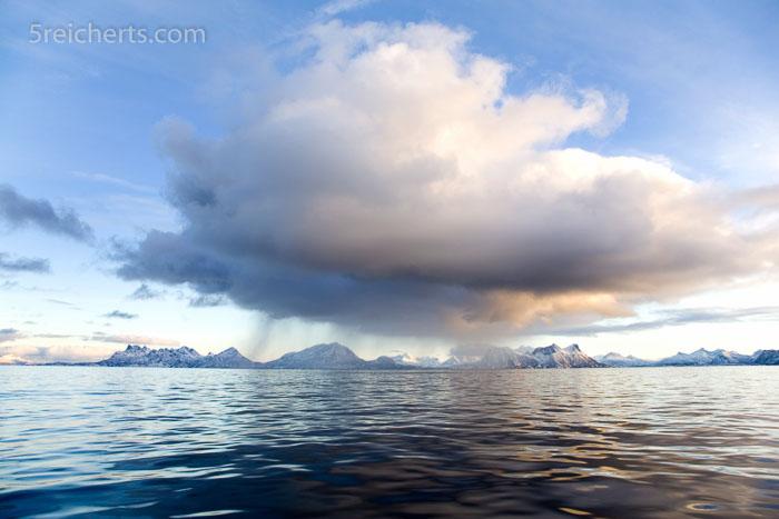 Wolke über dem Vestfjord