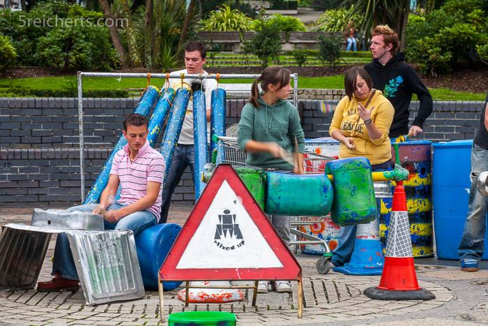 vibrierende Städte - Straßenmusiker in, Plymouth