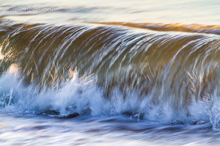 Auch Wellen sehen morgens unglaublich gut aus!