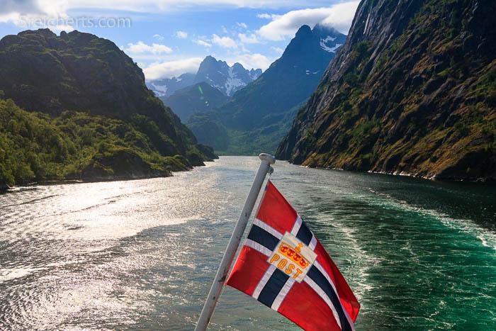 Blick zurück in den Trollfjord