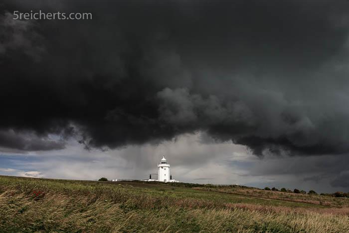 Gewitterwolken über dem South Foreland Lighthouse