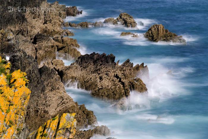 Etwas weiter entlang der Küste sieht es dann wieder ganz anders aus. hier kurz vor Polperro