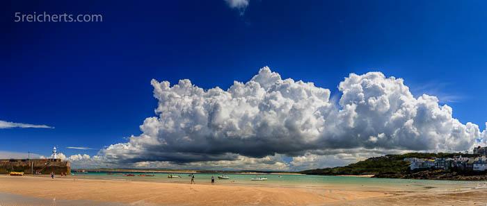 Wolken über St Ives, Cornwall