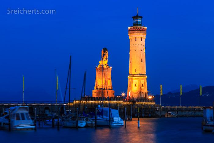Der Lindauer Leuchtturm im Abendlicht