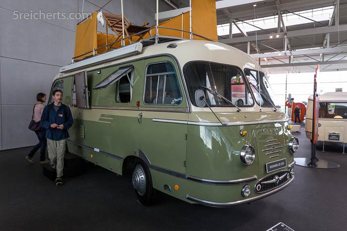 Mikafa Reisemobil Deluxe - das Wohnmobil für äußerst wohlhabende Personen kostete 1959 unglaubliche 42500 DM. Es wurden nur 12 Fahrzeuge gebaut, von denen heute noch 7 existieren!