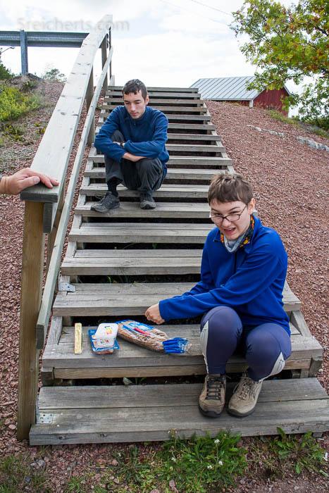 Abendessen auf der Treppe