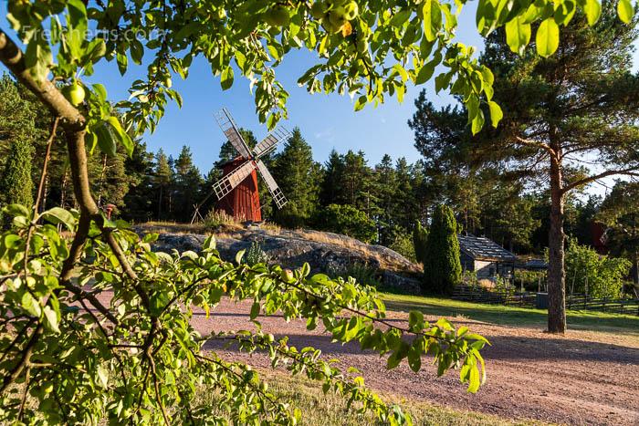 eine der Windmühlen im Jan Karlsgarden