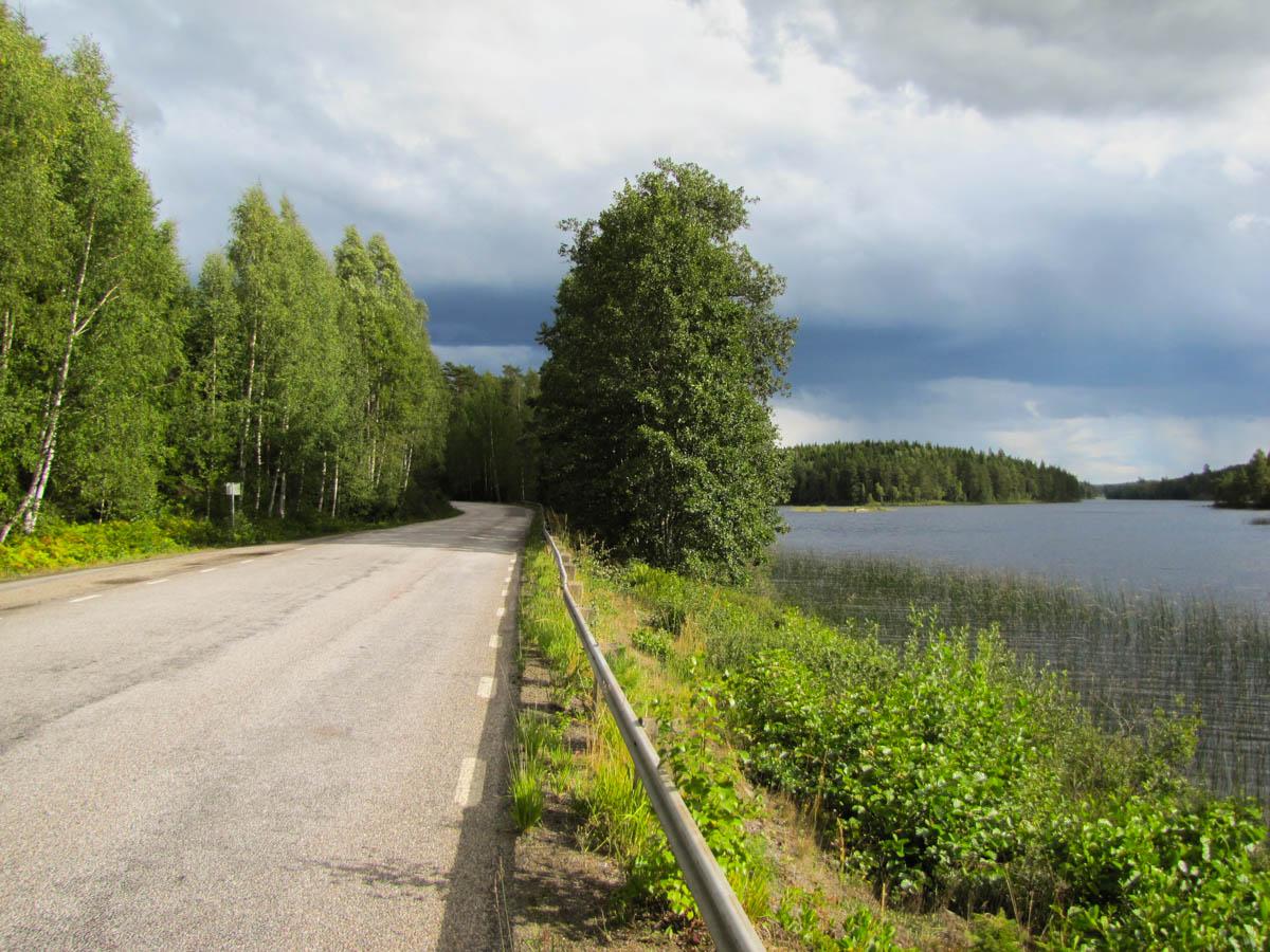 Eine nette Landstraße