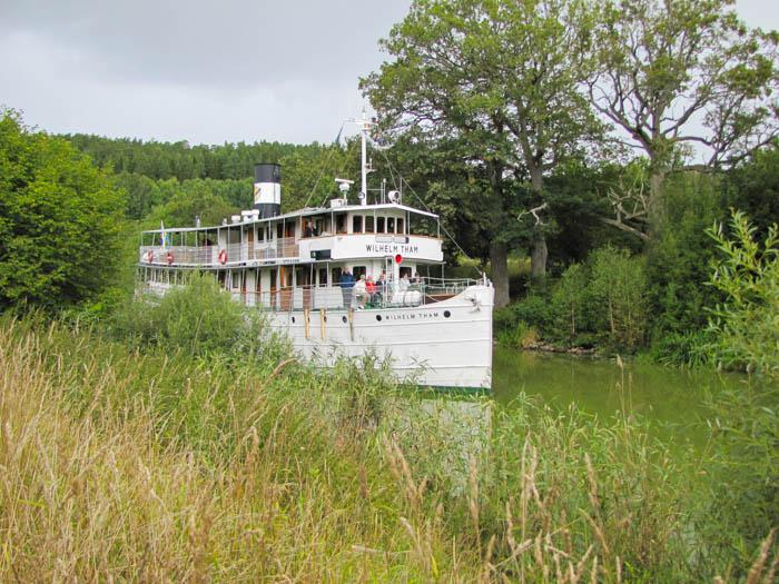 Wir trafen auf das Kanal-Schiff Wilhelm Tham