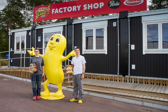 Vorm Laden der Chipsfabrik