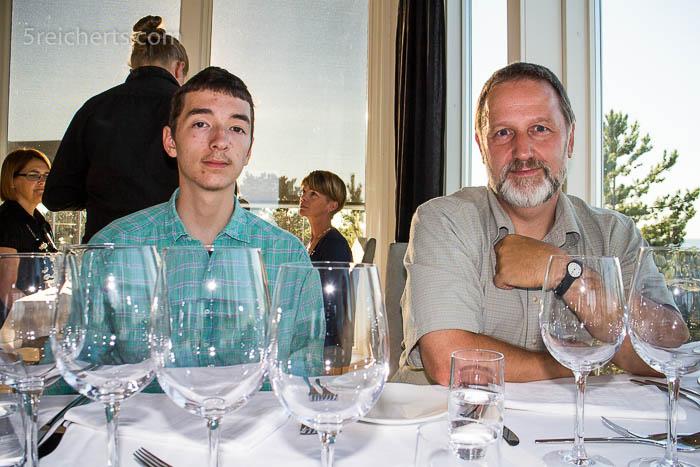 Noah und Gunter im RestaurantNoah und Gunter im RestaurantNoah und Gunter im Restaurant