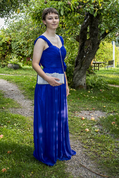 Amy im Abendkleid