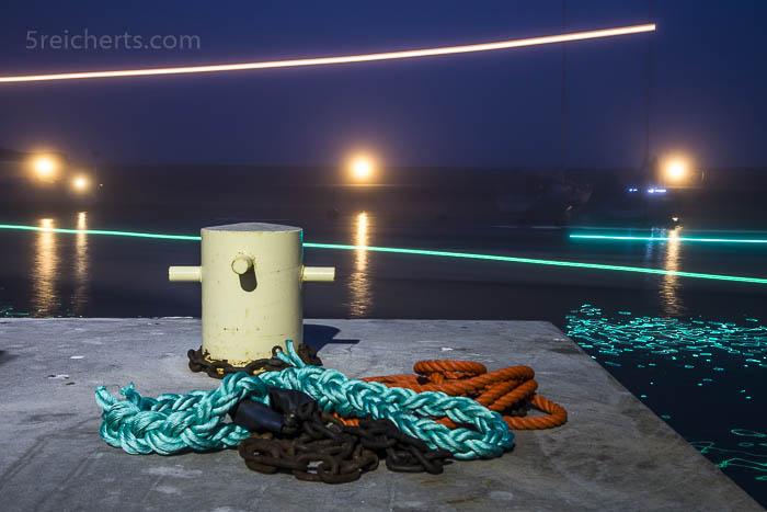 die Segelboote kommen in den Hafen