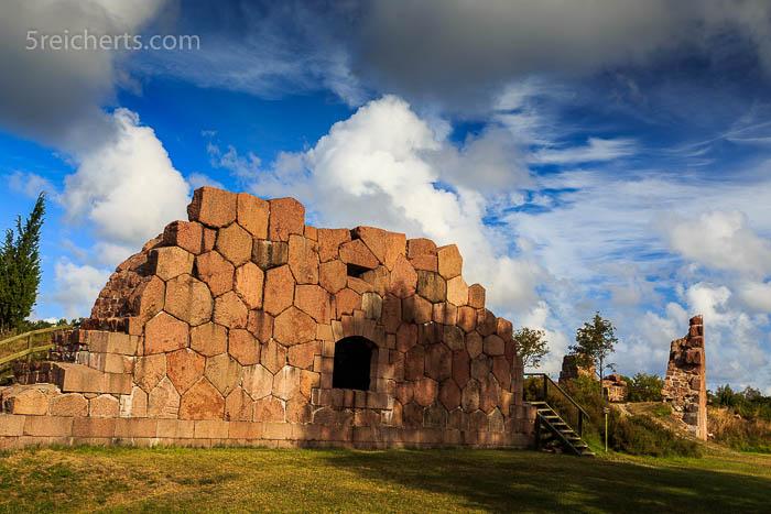 Die typischen hexagonalen Felsen von Bomarsund
