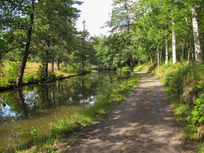 Mal wieder verläuft der Radweg direkt am Kanal