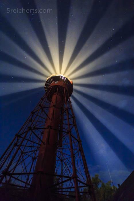 Der Leuchtturm von Sandhammaren in der Nacht, Schweden