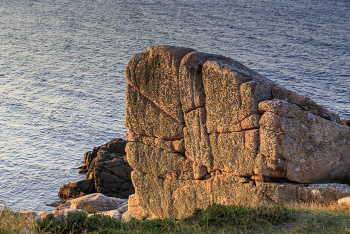 Felsen über dem Meer