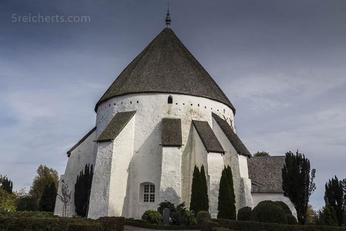 Sie sieht aus, wie eine Festung, die Ols Kirke, Bornholm