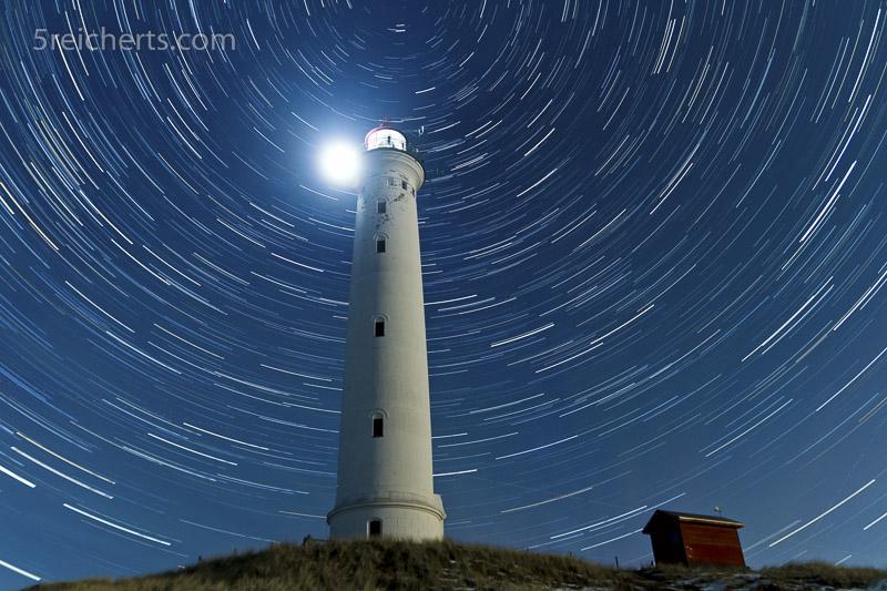 Lyngvig Fyr bei Nacht, Langzeitfotogafie von Sternen