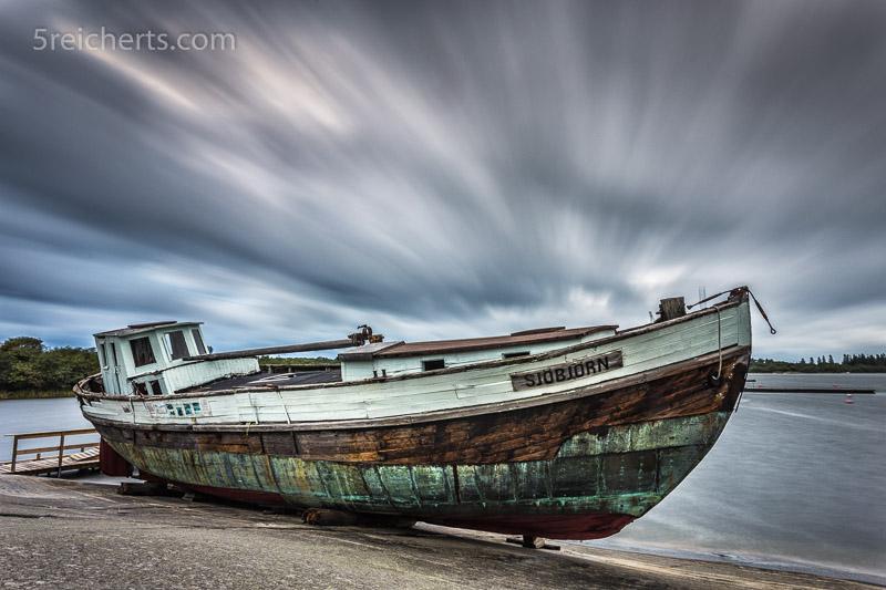ales Fischerboot auf Aland im Sturm