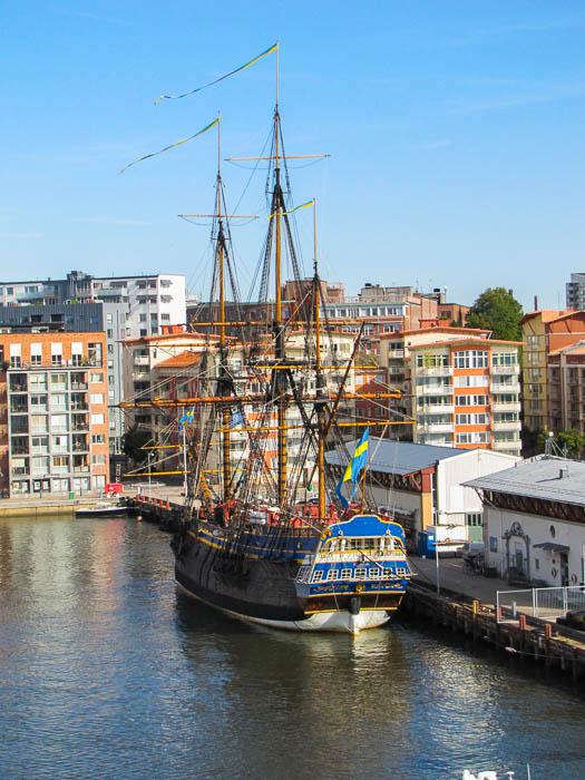 """Das Wahrzeichen der Stadt, die """"Göteborg"""". Sie ist ein originalgetreuer Nachbau eines historischen Schiffes mit dem selben Namen. Andrew leistet hier gelegntlich Freiwilligendienst."""