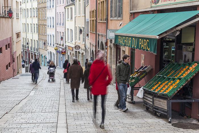 Vorweihnachtliche Strasse in Lyon