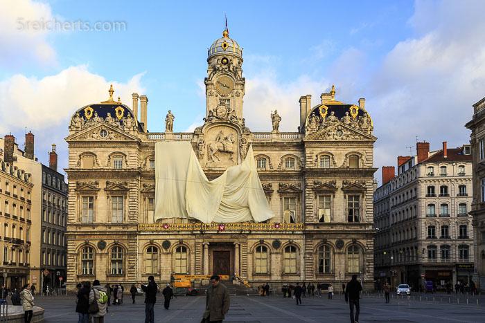 Das Rathaus nach dem Lichterfest