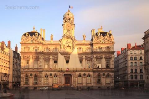 Das Rathaus nach dem Lichterfest - 120 Sekunden mit 1000 fach Graufilter
