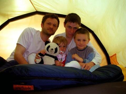 Christines Familie im Zelt