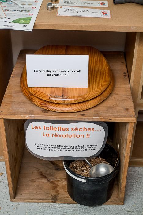 Wäre optimal: Ökotoilette - das wertvolle Regenwasser nicht zum spülen nutzen!