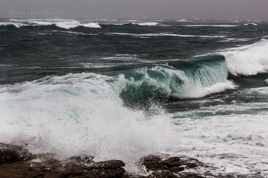 Wellen direkt hinter unserem Ferienhaus, Ile de Sein
