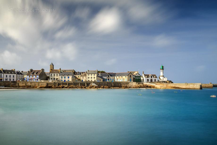 Langzeitbelichtung des Hafen der Ile de Sein