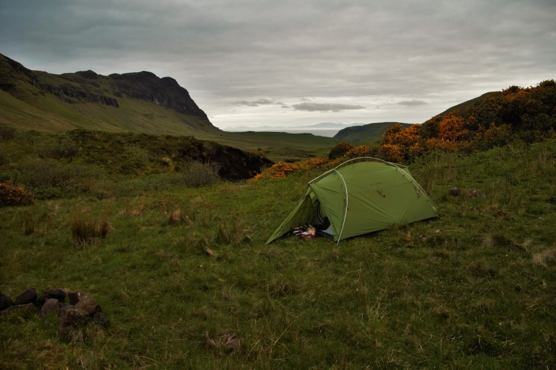 Zelten auf der Isle of Skye. Am Tag darauf drehte der Himmel den Hahn auf