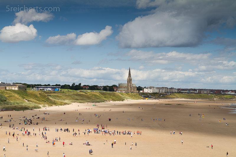 Bei Ebbe bietet der Strand viel Platz für Sportveranstaltungen