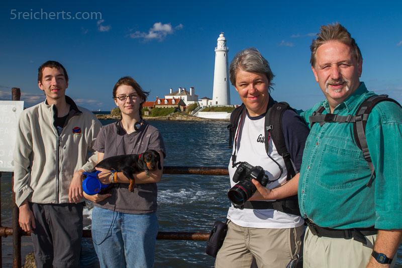 Familienfoto mit Leuchtturm