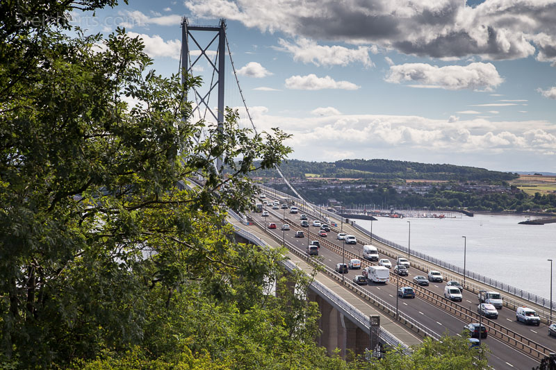 New Firth Bridge mit heftigem Autoverkehr