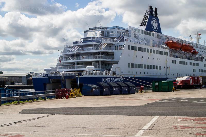 Die King Seaways wartet auf die nächste Fuhre