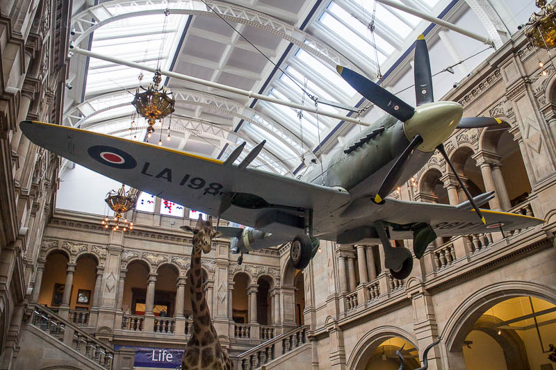 In der Kelvingrove Art Gallery and Museum hing eine Spitfire