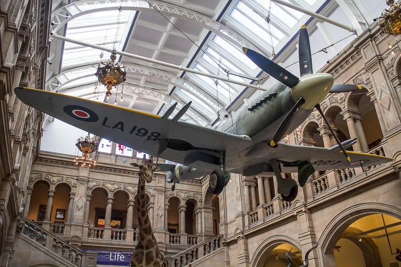 In der Kelvingrove Art Gallery and Museum hing eine Spitfire