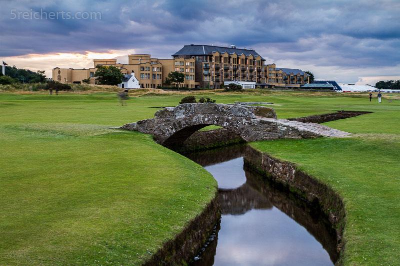 Die berühmte Brücke auf dem Golfplatz