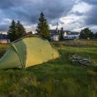 Mein treues Vaude-Zelt vor der Dalwhinnie Distillerie