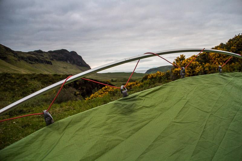 """Das Zelt muss einfach in dem Gestänge """"eingehängt"""" werden"""