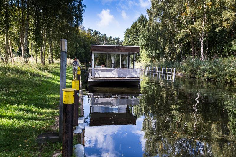 Das Hausboot - Loftboot - vor der Schleuse