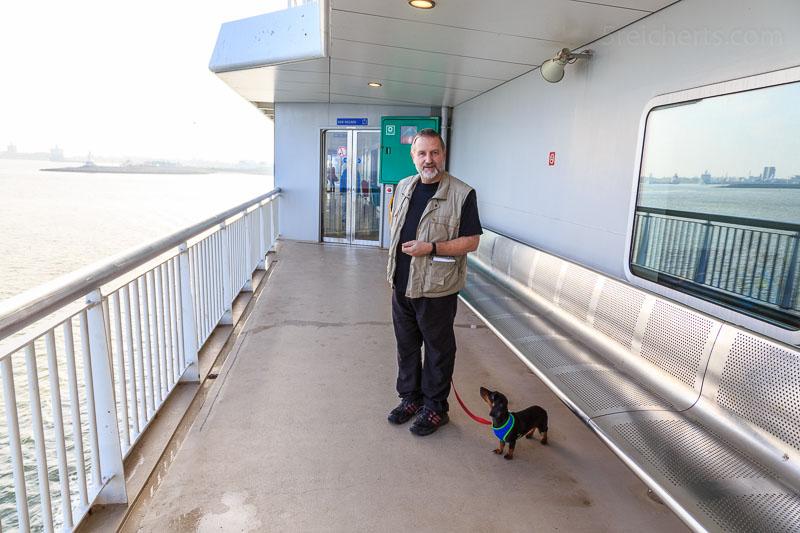 Gunter mit Grindel auf der Fähre zur Insel Texel