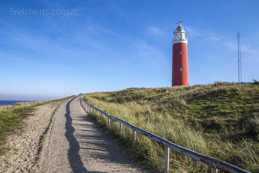 Der Leuchtturm von Texel im Sonnenschein