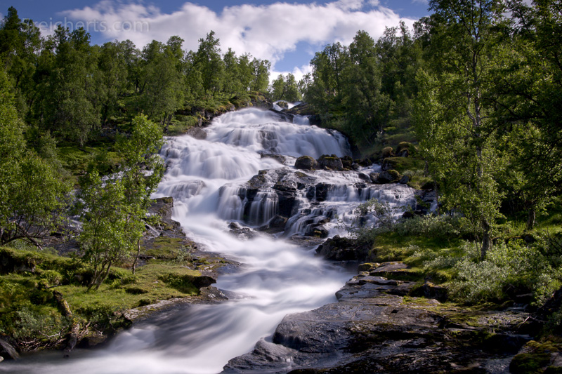 Wasserfall am Aurlandsfjord