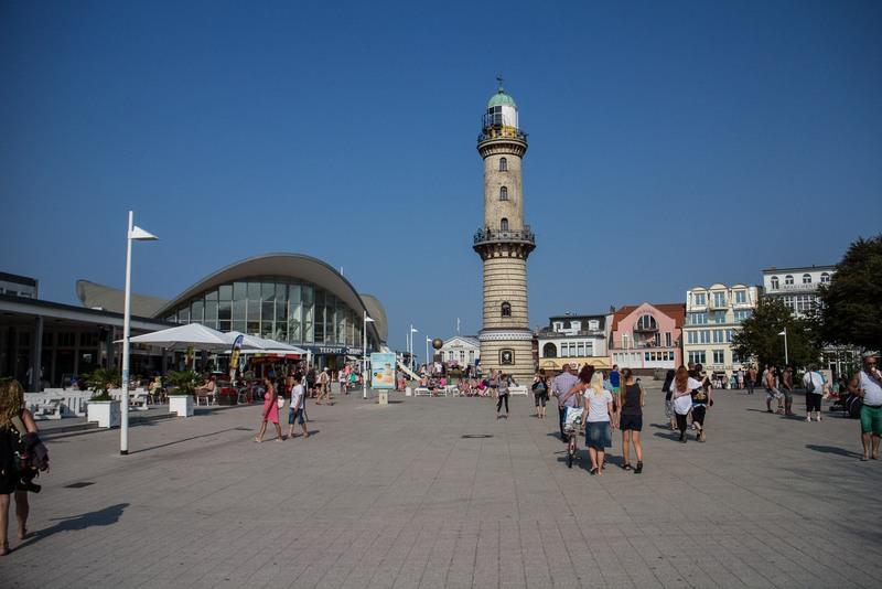 Der Leuchtturm in Warnemünde.