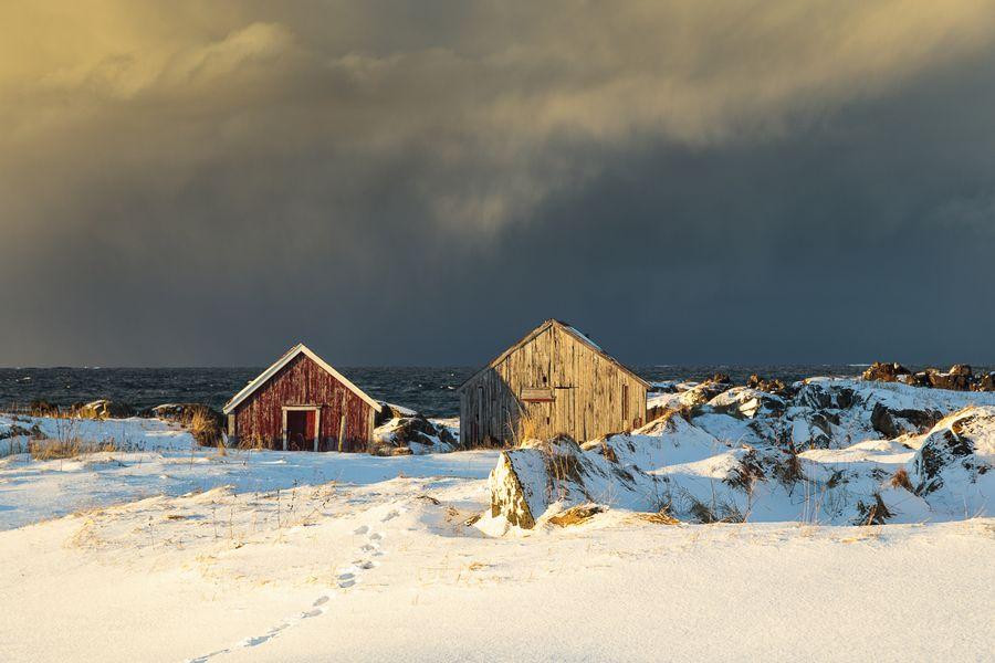 Das gemäßigte Tele bringt den aufziehenden Schneesturm groß ins Bild.